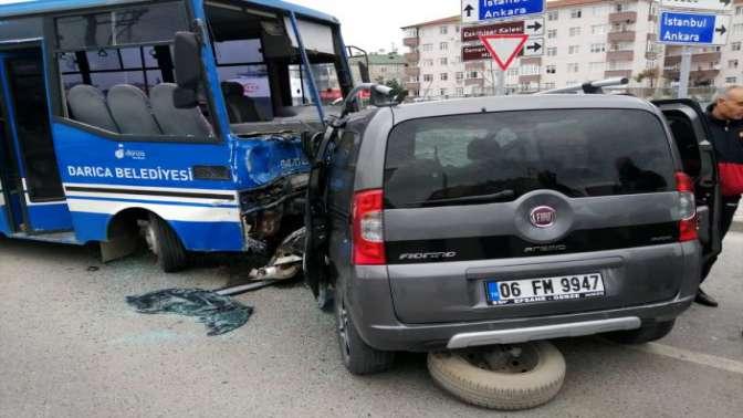 Öğrenci Taşıyan Araç Kazaya Karıştı