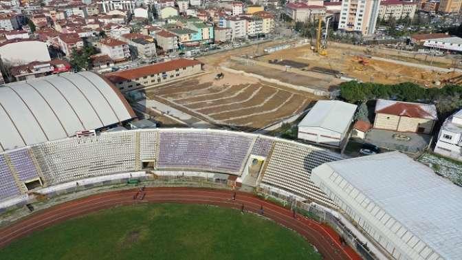 Yeni futbol sahası şekillenmeye başladı